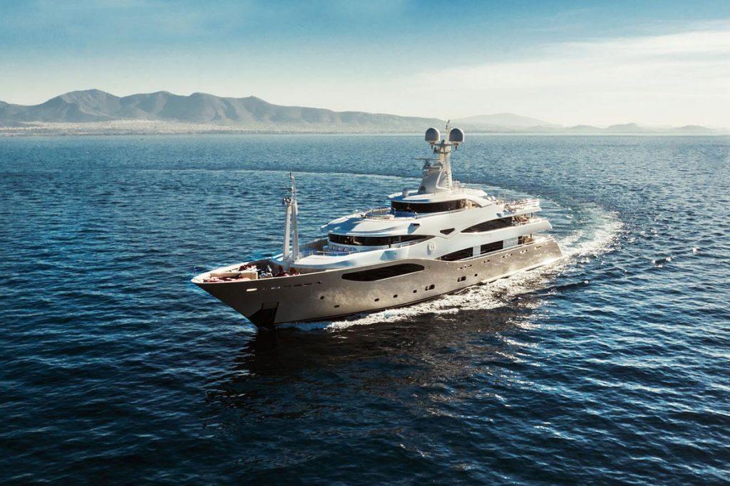 Charter Yacht Boat MY Light Holic MY Mieten Boot
