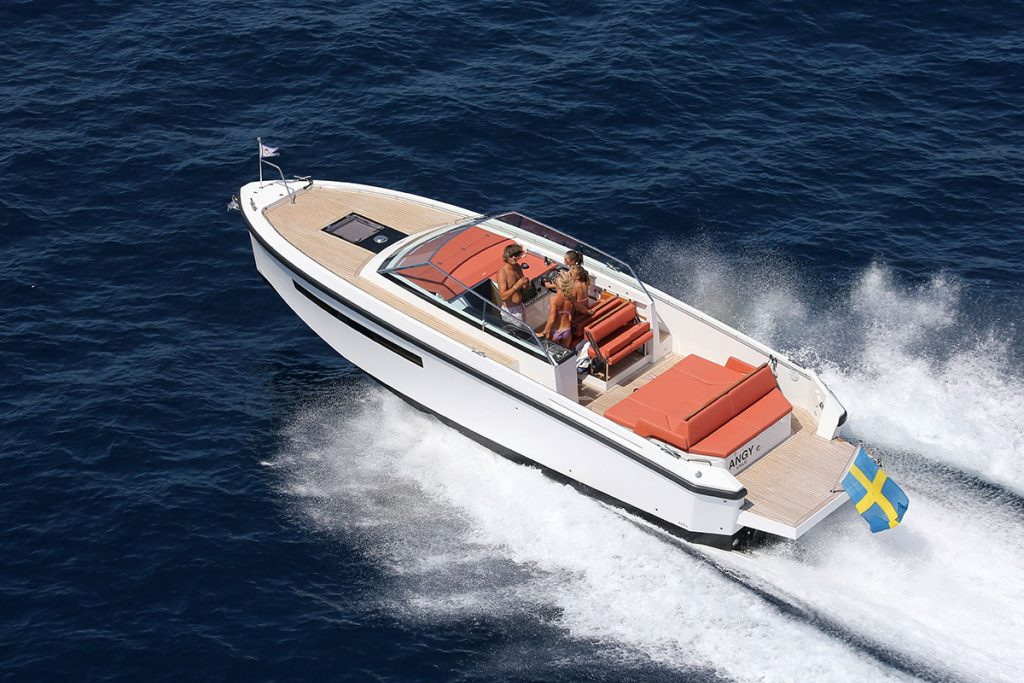 Delta 33 Open Powerboat