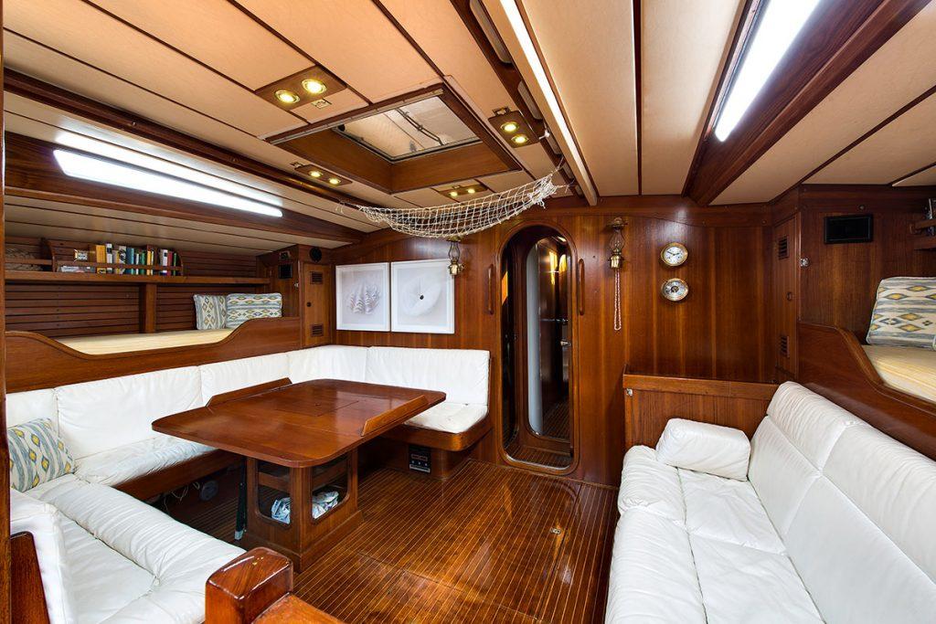 swan65_odilemarie_interior