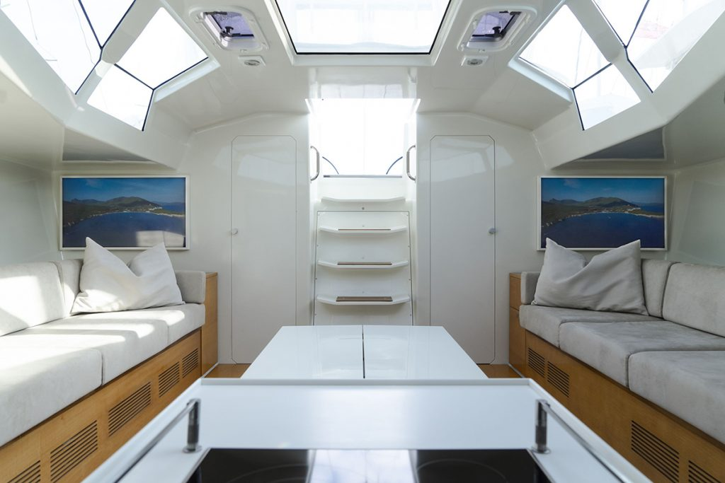 MIYABI Interior FYS Charter Mallorca Sail